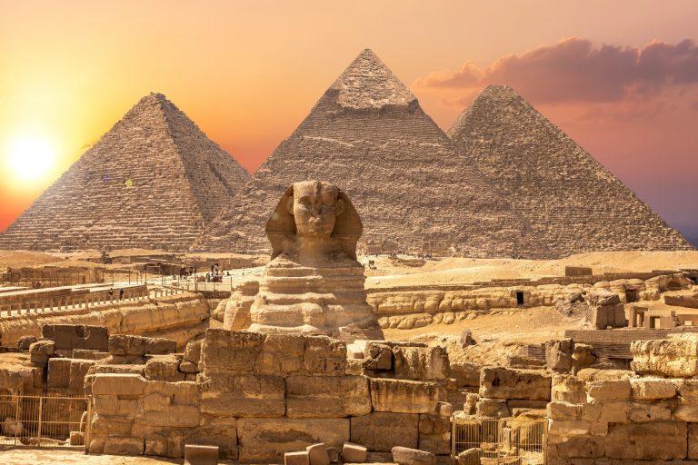 Sphinx und die Pyramiden